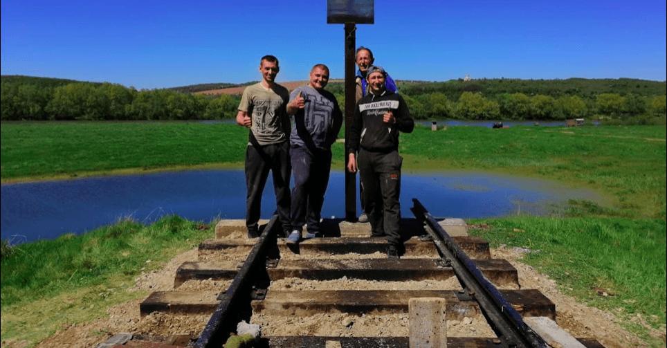 Активісти створили пам'ятний знакГалицькійтрансверсальній залізниці (ФОТО)