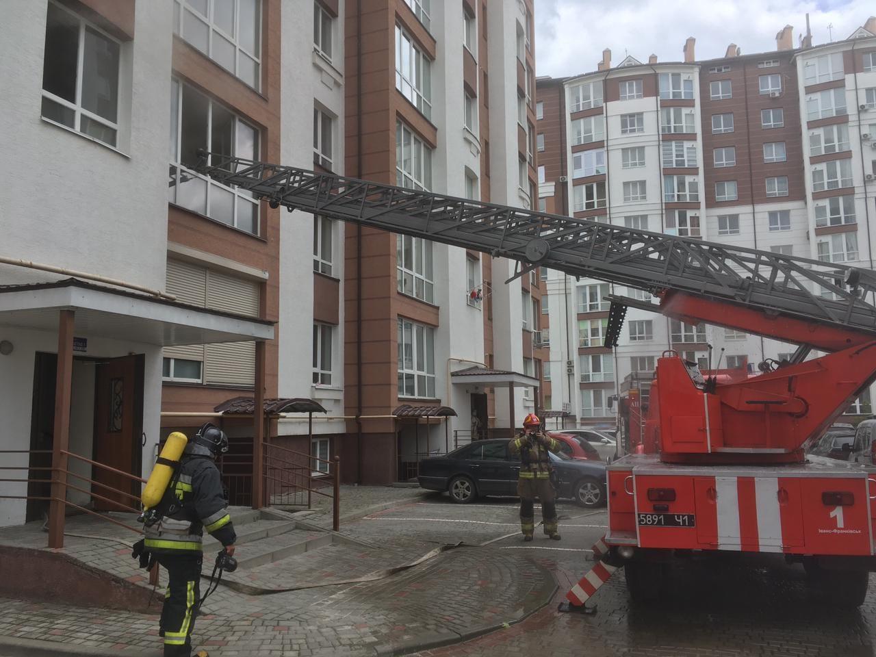 Ймовірно – самогубство: відомі деталі смертельної пожежі в Крихівцях (ФОТО)