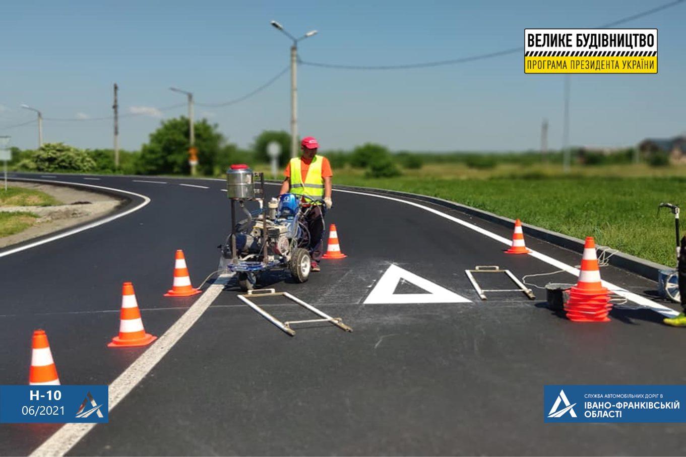 Дорогу Н-10 Стрий – Мамалига ремонтують на Калущині (ФОТО)
