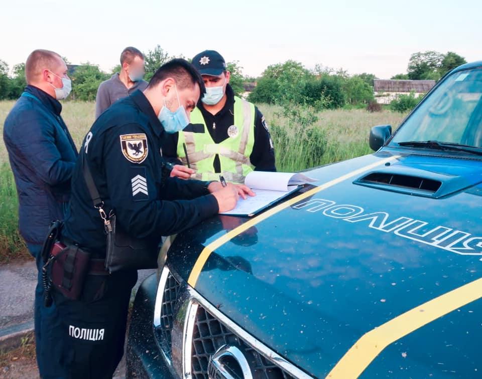 На Прикарпатті п'яний водій хотів відкупитись від поліції хабарем