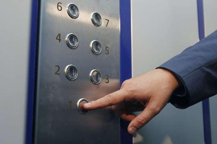 У Польщі обірвався ліфт з українцями – їх госпіталізували у важкому стані