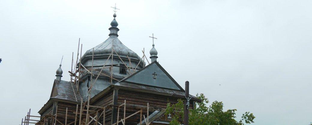 На Прикарпатті відновлюють 133-річну церкву (ФОТО, ВІДЕО)