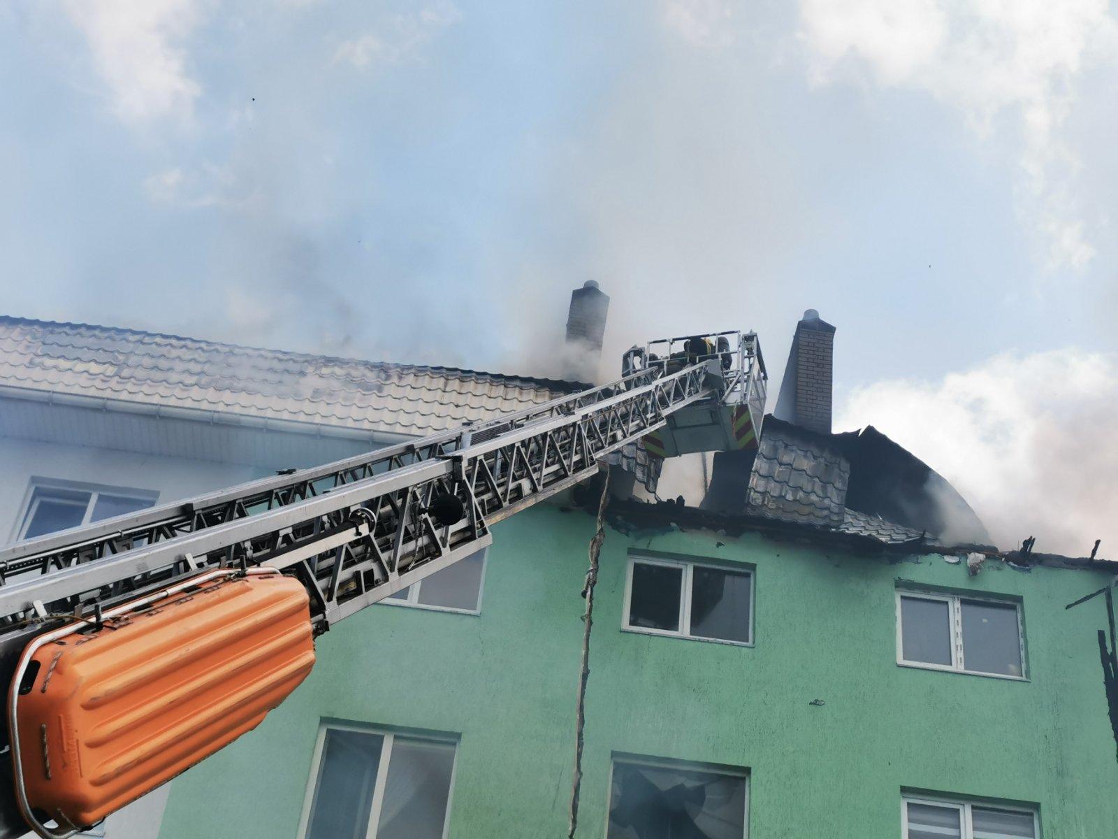 Під Києвом у багатоповерхівці прогримів вибух: постраждали 8 людей, є загиблі