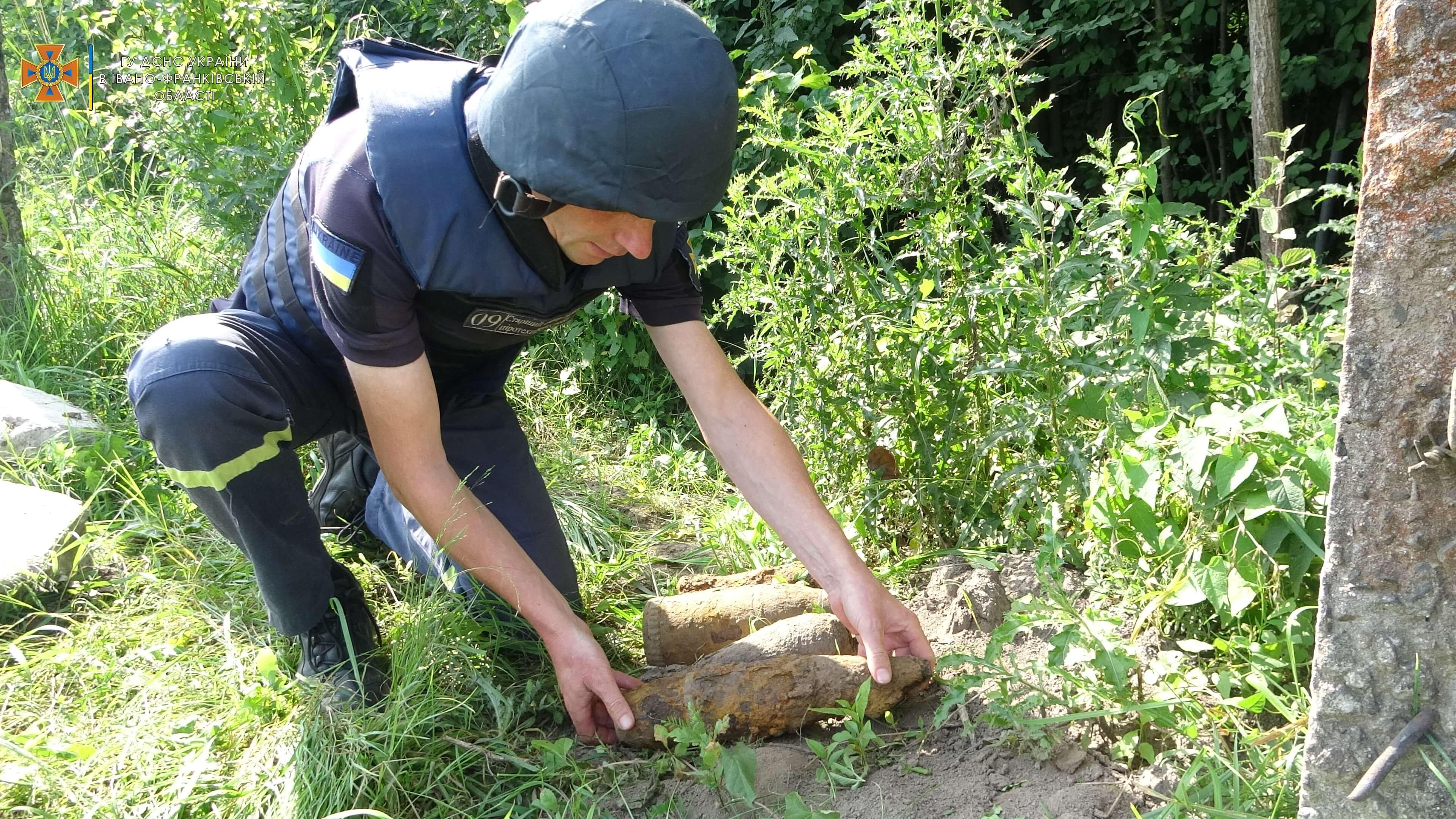 15 застарілих боєприпасів знайшли в Івано-Франківську (ФОТО)