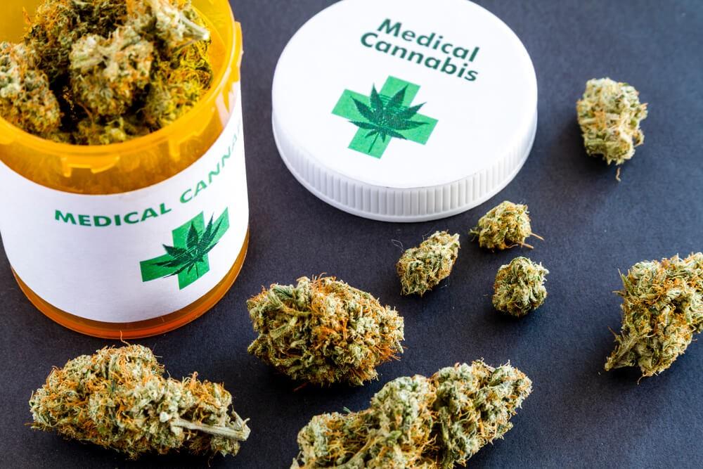 Рада провалила легалізацію медичного канабісу: як голосували прикарпатські нардепи