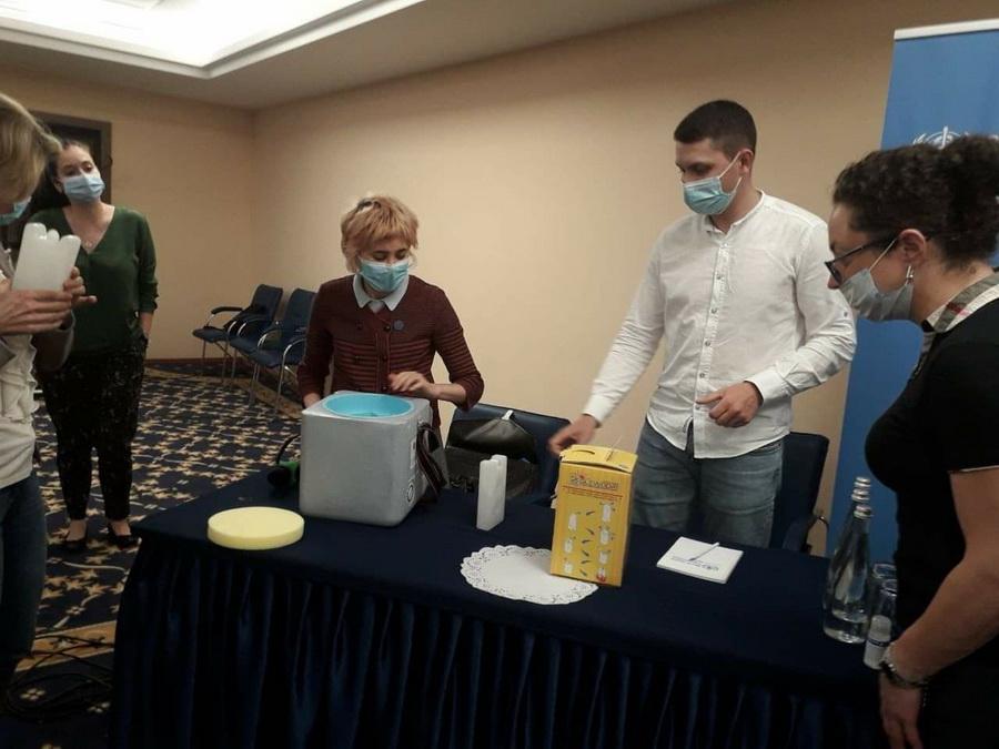 """Виготовлення вакцин і щеплення: викладачі франківського медуніверситету поїхали на """"коронавірусний"""" тренінг в Київ (ФОТО)"""
