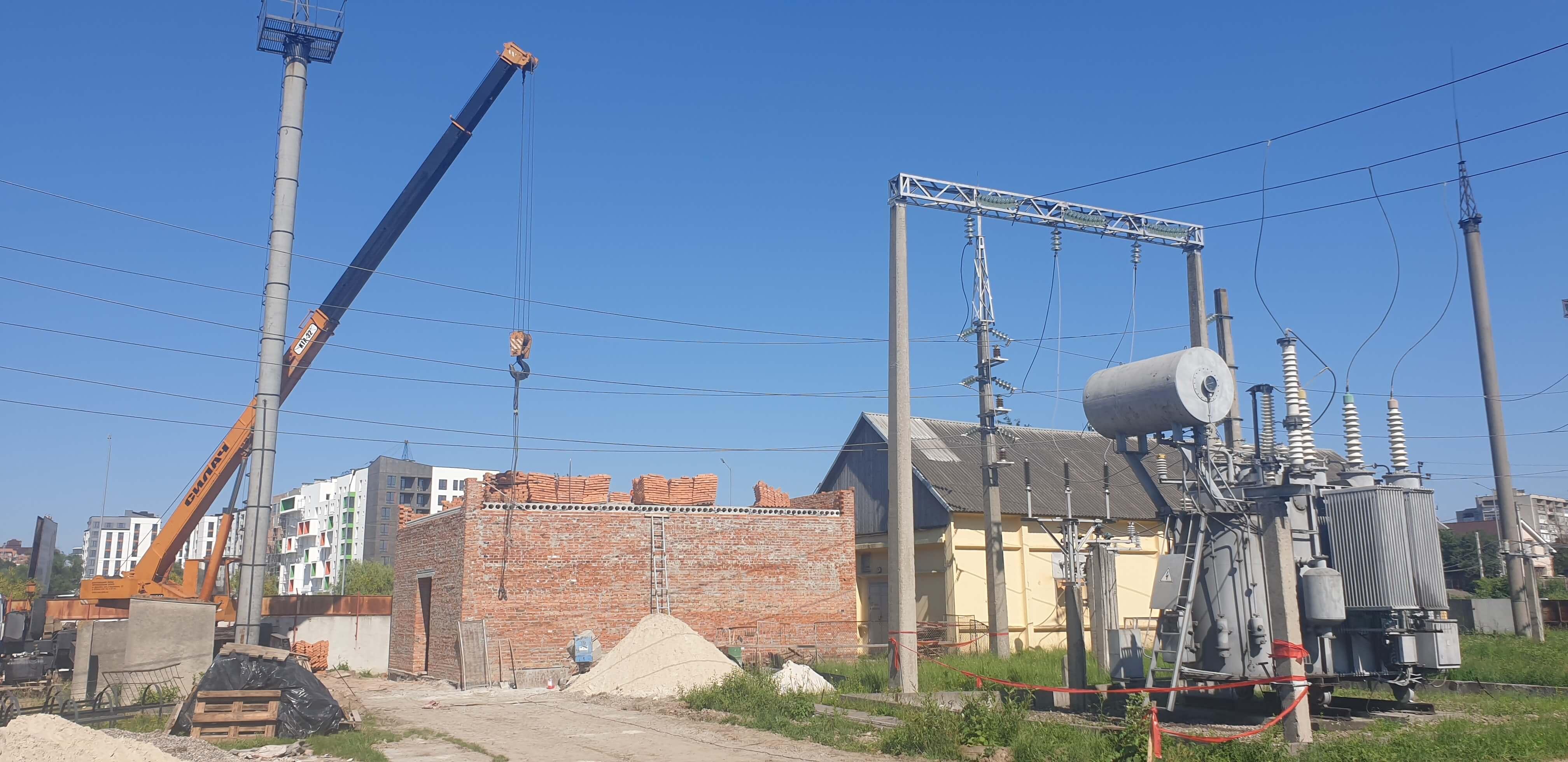 """Прикарпатські енергетики розпочали масштабну реконструкцію підстанції """"Крихівці"""" (ФОТО)"""
