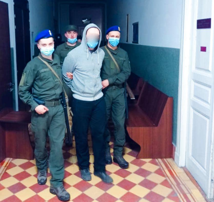На Прикарпатті поліція і Нацгвардія вчилися не допускати втечі підсудних затриманих (ФОТО)
