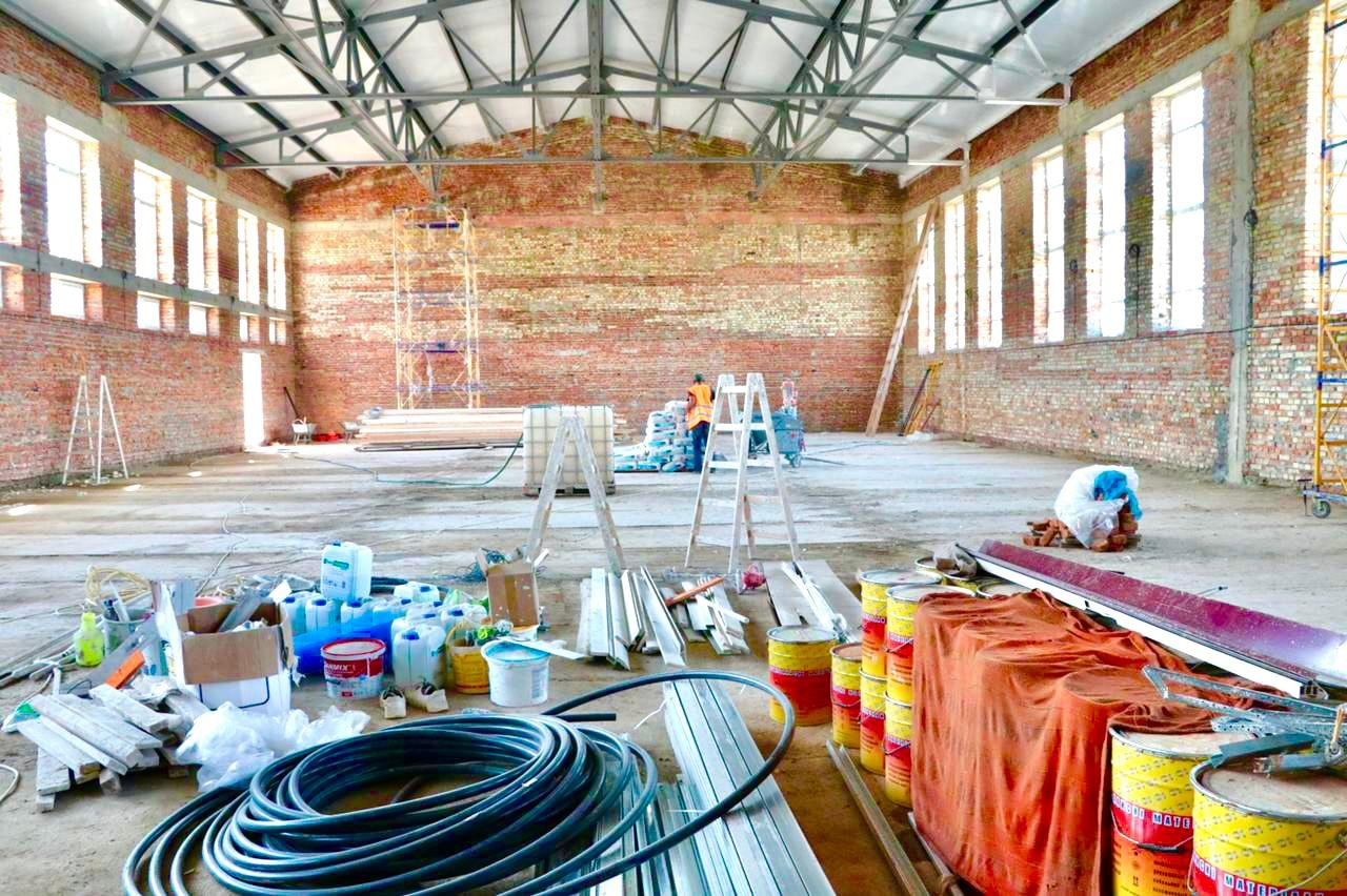 Шкільний спорткомплекс будують у селі на Калущині (ФОТО)