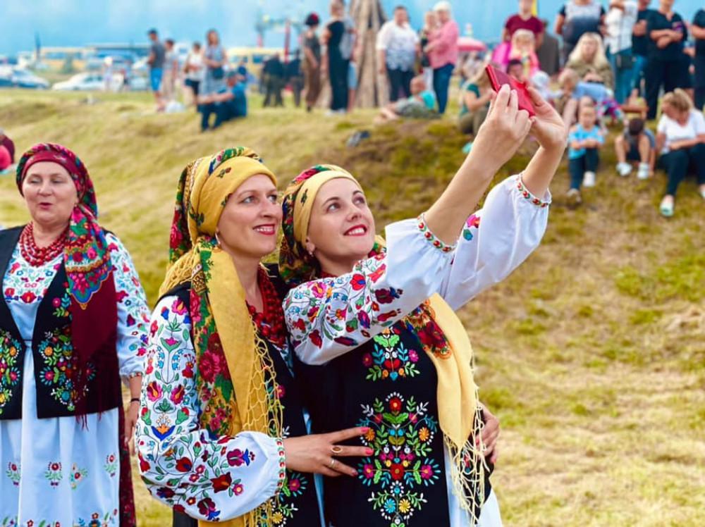 """На Долинщині проходить патріотичний фестиваль """"Яворина-2021"""""""