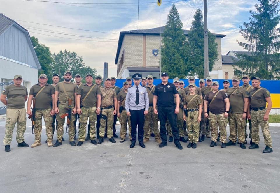 Загін прикарпатських поліціянтів приїхав додому із зони ООС (ФОТО)