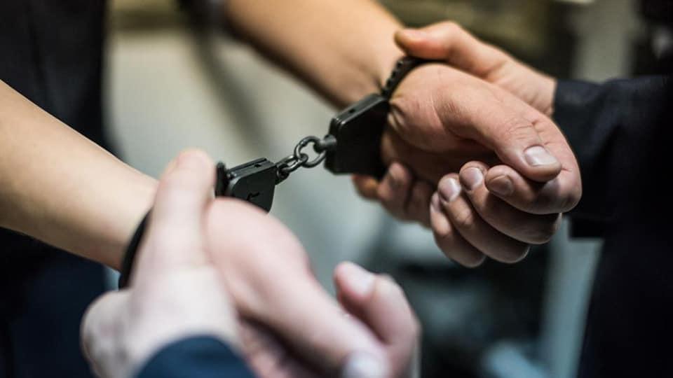 Прикарпатські поліцейські затримали чоловіка, який вдарив правоохоронця