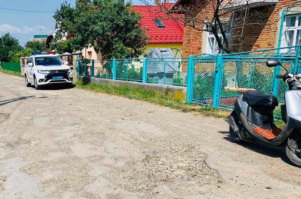 П'яний прикарпатець викрав мопед та через кілька метрів збив ним жінку (ФОТО)