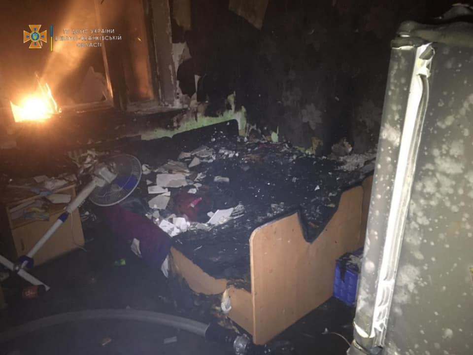 На пожежі в Пасічній евакуювали майже сто людей (ФОТО)