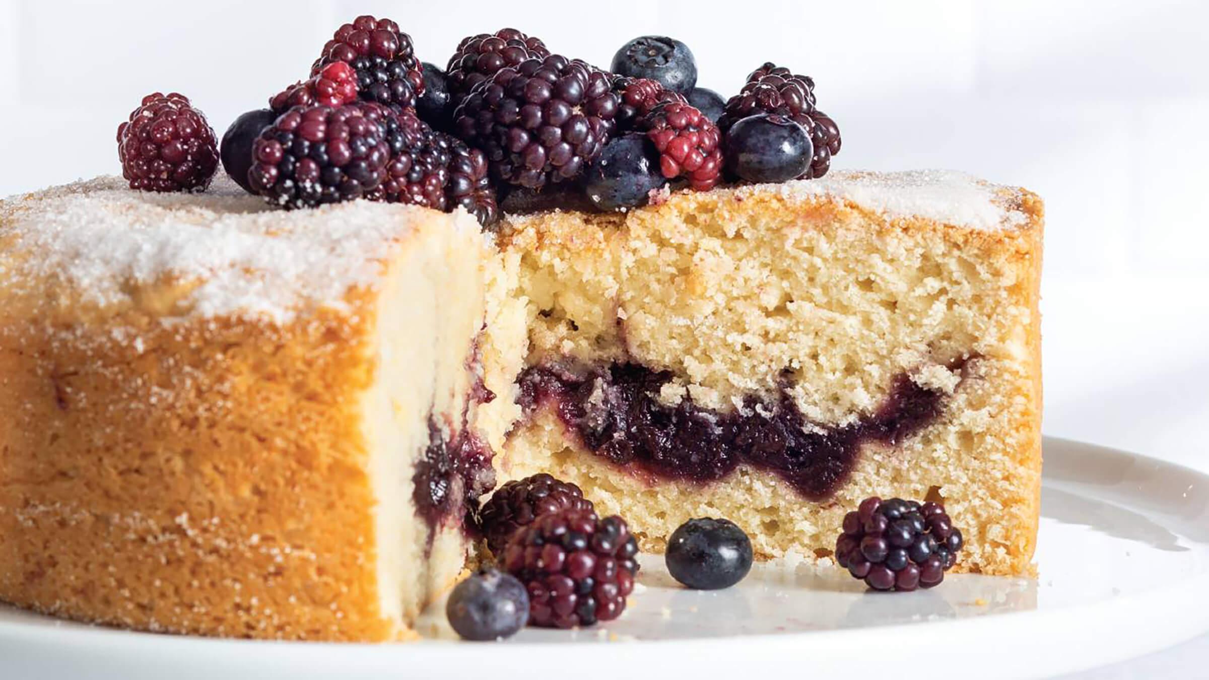 Франківська громада націлилася на черговий рекорд України – найдовший ягідний пиріг