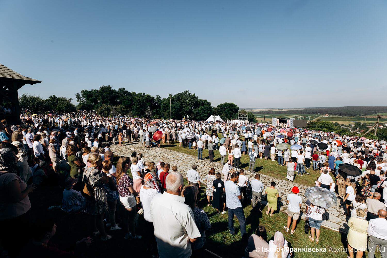 Тисячі українців взяли участь у прощі до Крилоса, яку очолив Глава УГКЦ Святослав (ФОТО)