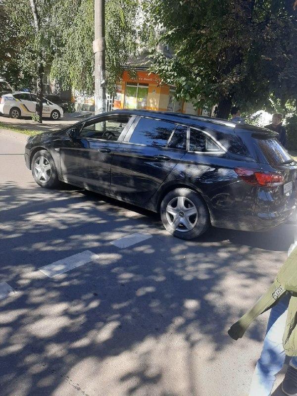 На Короля Данила дівчинка потрапила під авто (ВІДЕО ДТП)