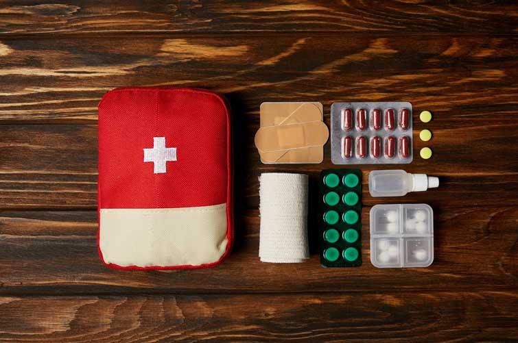 До уваги прикарпатців: що має бути в аптечці мандрівника (СПИСОК)