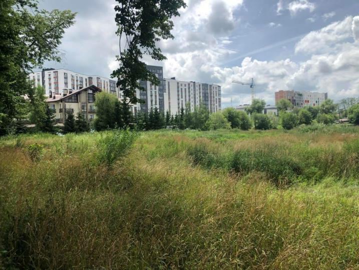 Будинок на три поверхи, басейн і огорожа: виконком затвердив умови конкурсу будівництва тенісних кортів на міському озері