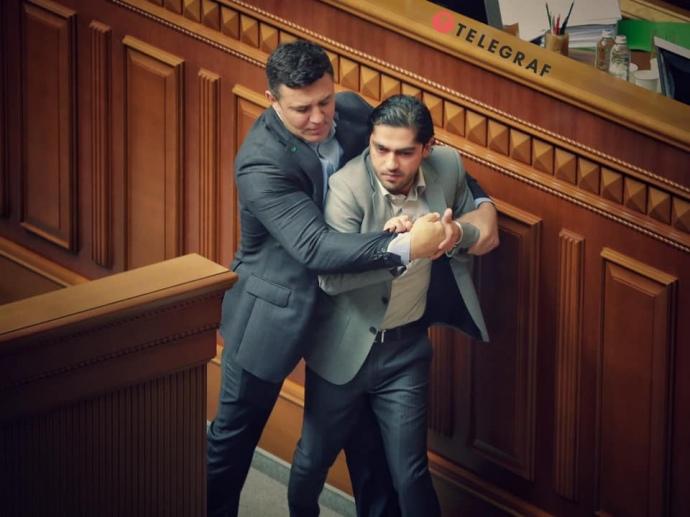 У Раді бійка: Тищенко напав на Лероса (ВІДЕО)