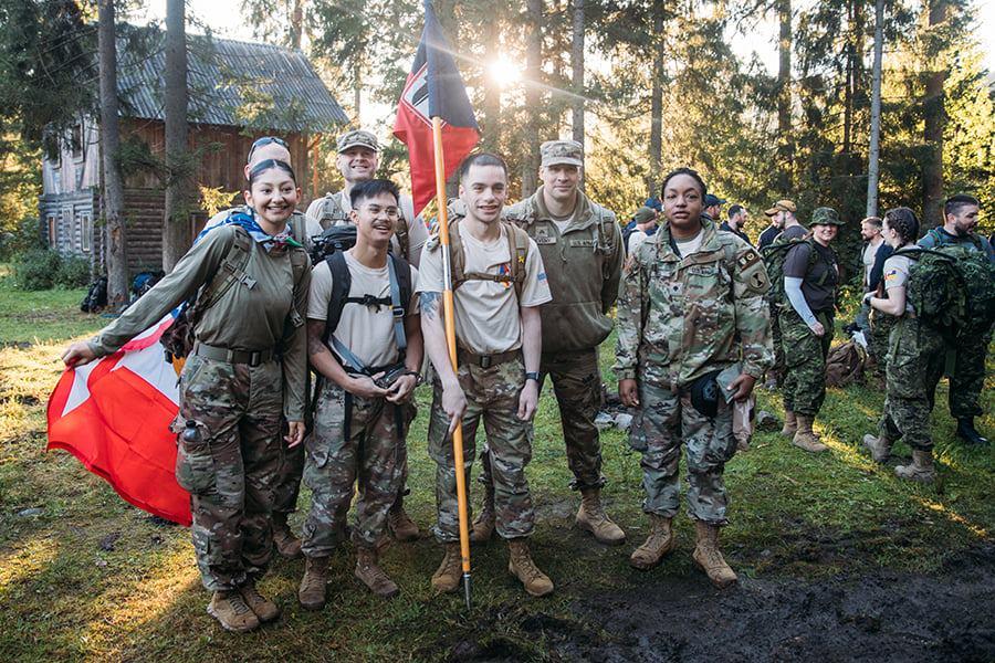 Військові з України та з-за кордону змагалися у найшвидшому сходженні на Говерлу (ФОТО)