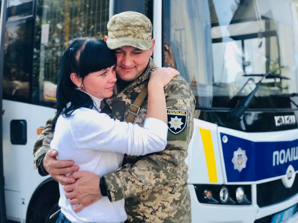 Чергове відрядження на Донеччину: загін прикарпатських поліціянтів відправився в зону ООС (ФОТО)