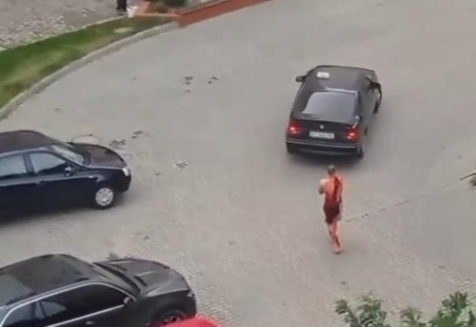 У Пасічній невідомий з ножем проникав до квартири - господар відбивався і зараз у важкому стані (ФОТОФАКТ)