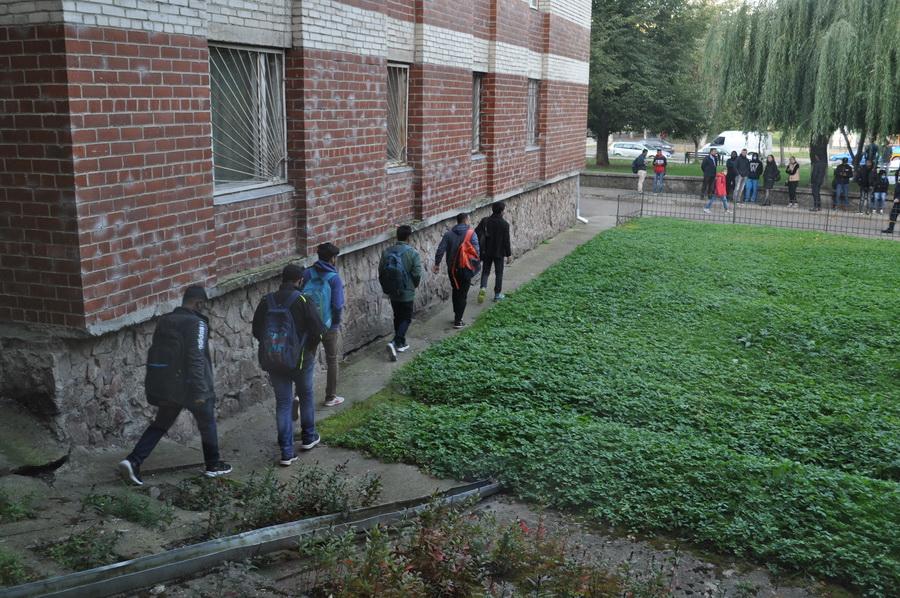 """У Франківську студентів вчили тікати з """"палаючого"""" гуртожитку (ФОТО)"""