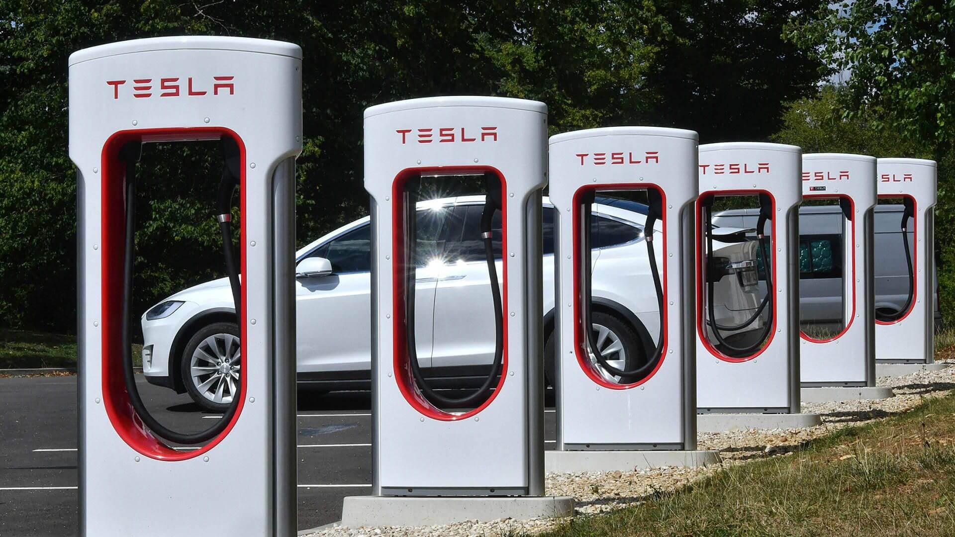 Чи зможе звичайний українець купувати шматочок Tesla?