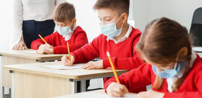 У Франківській громаді 14 шкіл та п'ять дитсадків зможуть працювати очно під час карантину (СПИСОК)