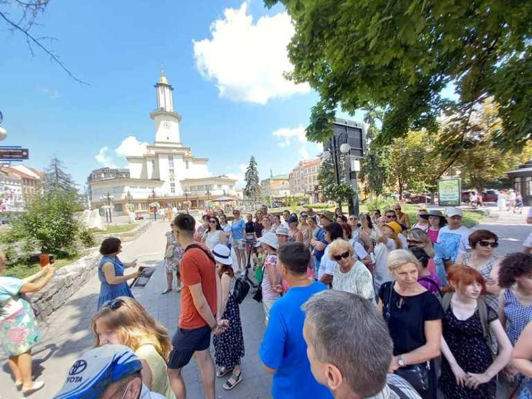 Цьогоріч безкоштовні екскурсії у Франківську відвідали близько 900 людей (ФОТО)