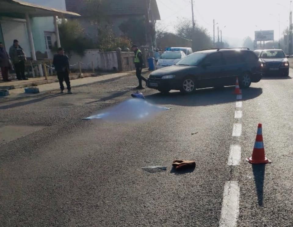 У Снятині на переході під колеса авто потрапила 73-річна жінка: вона не вижила (ФОТО)