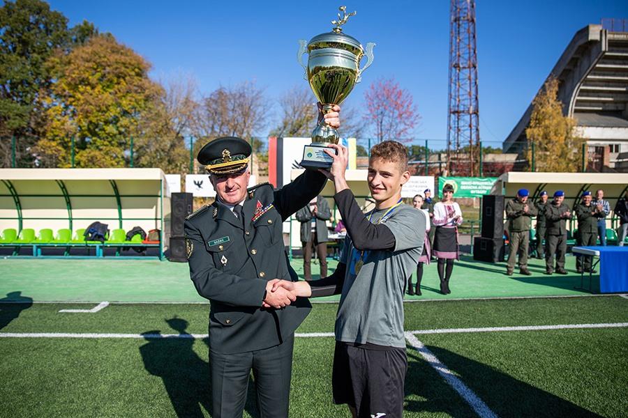 На Прикарпатті вперше провели змагання з міні-футболу серед школярів на Кубок Командувача Нацгвардії (ФОТО)