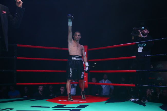 Франківський боксер здобув ефектну перемогу на професійному турнірі у Києві (ФОТО, ВІДЕО)