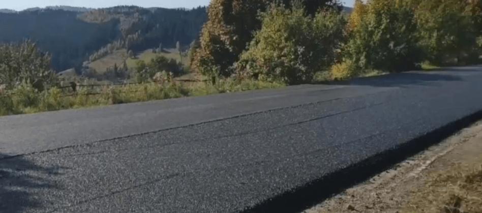 """На Франківщині продовжують ремонтувати автодорогу """"Долина – Хуст"""" (ФОТО)"""