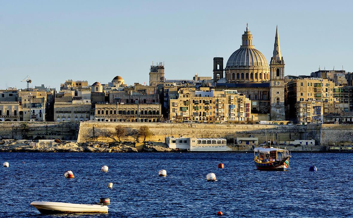 COVID поширюється: Мальта заборонила в'їзд вакцинованим українцям