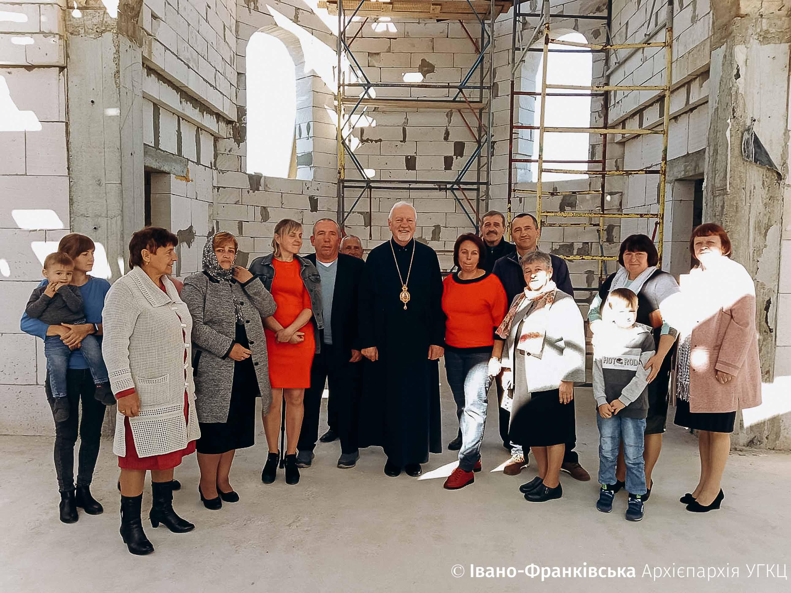 У селах на Долинщині зводять дві нові церкви (ФОТО)