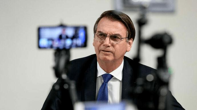 Невакцинованого президента Бразилії не пустили на футбол