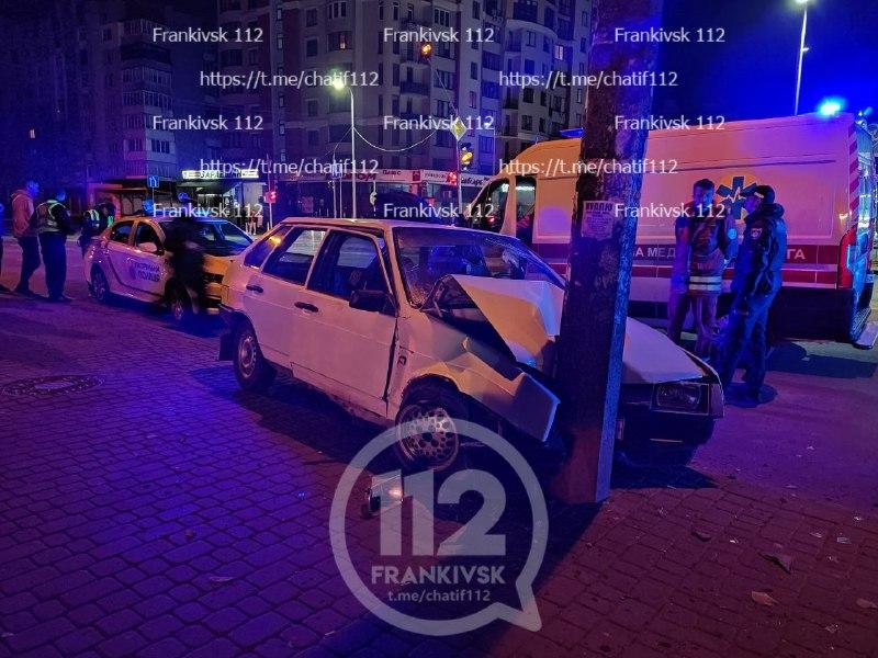 В ніч на неділю водіїв на Довженка і Чорновола зупинили електроопори (ФОТО)