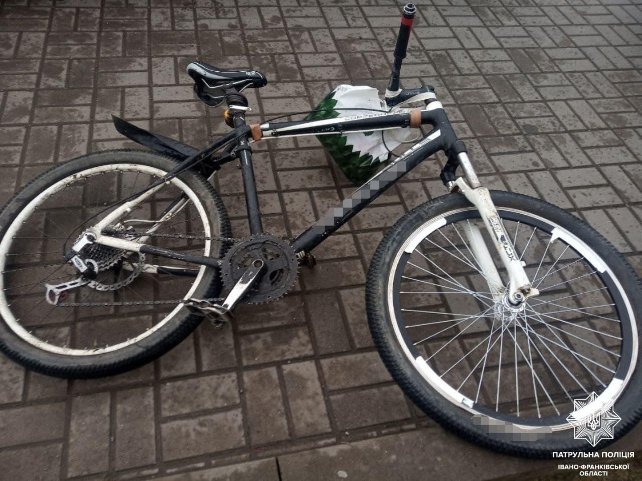 """У Франківську поліціянти влаштували погоню за небезпечним велосипедистом: в останнього знайшли """"білу речовину"""""""